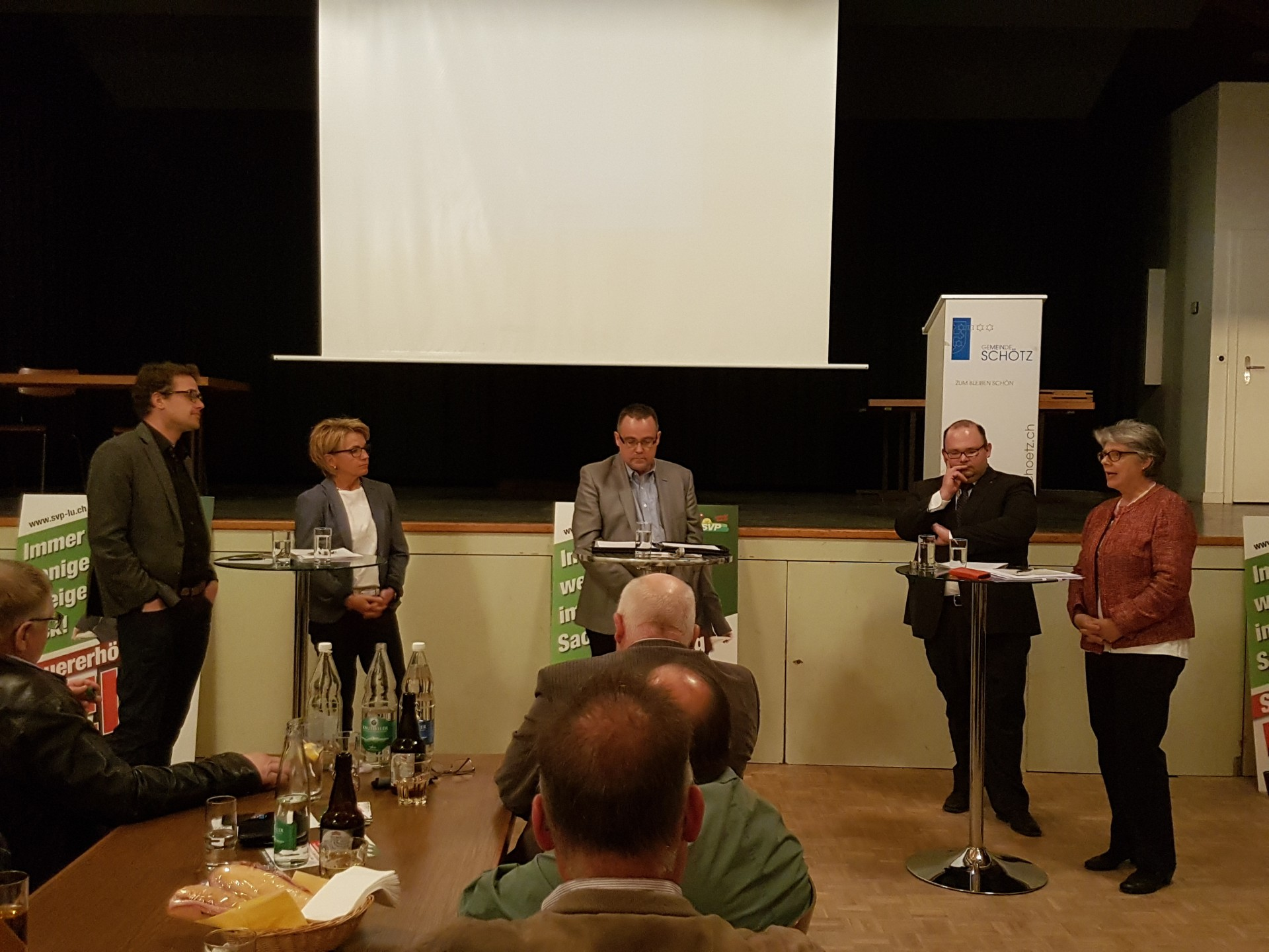 Podium Steuerreferendum in Schötz